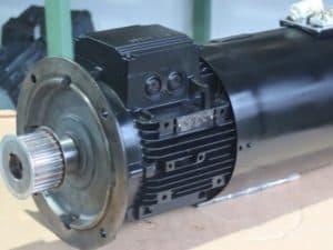 2. Bild: Reparatur von Drehstrom-Motoren